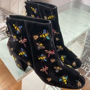 Zara🤩NWT boots with embroidered bees size 40 gift